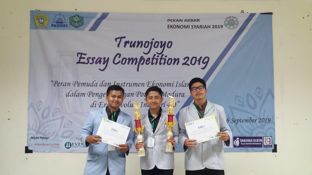 Borong Gelar Juara Dua dan Tiga pada Trunojoyo Essay Competition, Mahasiswa SPE PENS Torehkan Prestasi